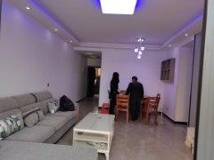 3室2厅1卫105m²精装修