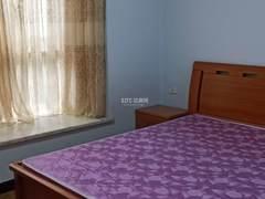 西豪逸景3室2厅1卫94m²精装修