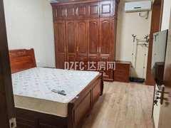 海星苑3室2厅2卫140m²精装修