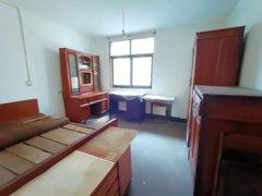 3室1厅1卫90m²