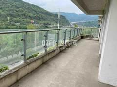 北外江湾城二期洋房,电梯入户,正临河,户型方正,房东因换房诚心出售,随时可以看房。