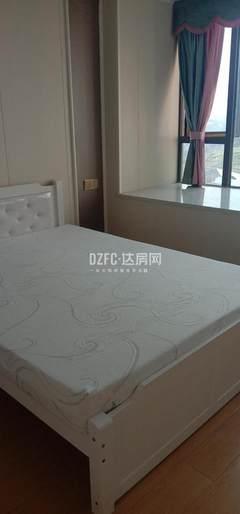 西外阳平路旁3室2厅2卫1800元/月104m²精装修出租