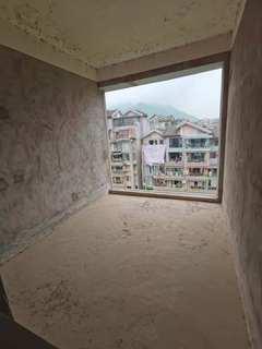 好房急售江湾城顶跃4房2厅2卫清水