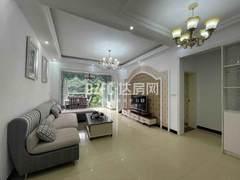 凤凰大酒店旁   3室2厅1卫72万94m²精装修出售