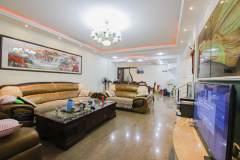 (城区)洲河花园3室3厅1卫110万158m²豪华装修出售