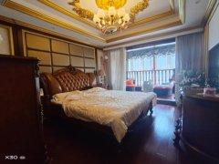 南外洋房跃层(身份的象征)出售,厅挑高8米,全实木装修,带总统套房,三个露台,实用面积达300平米