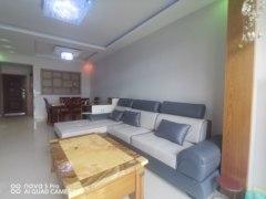(南外)龙座雅苑4室2厅1卫66万100m²出售