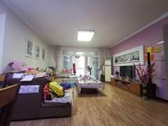 3室2厅2卫2150元/月130m²精装修出租