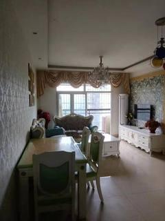 西外摩尔百货旁  3室2厅1卫  1800元/月92m²  豪华装修诚意出租
