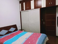 3室1厅2卫2200元/月109m²出租